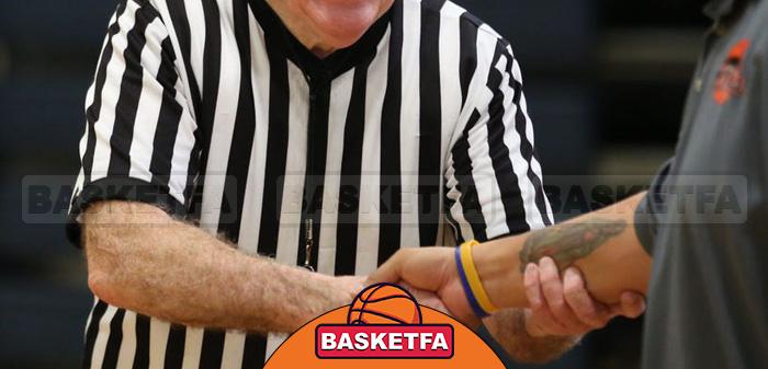 دست دادن با داوران بسکتبال بعد از پایان بازی
